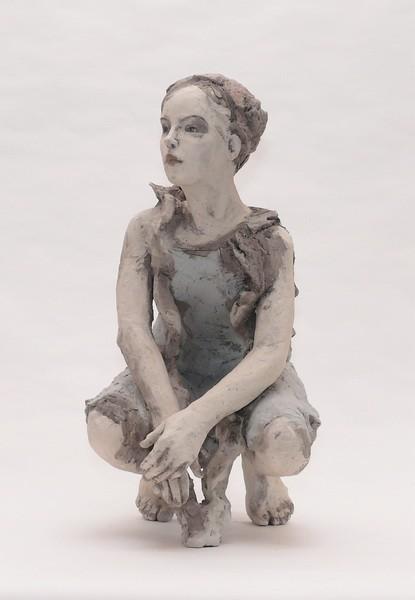 Art Alarm – Silvia Siemes, Bleiben-Warten 2017, Terrakotta, H 65 cm