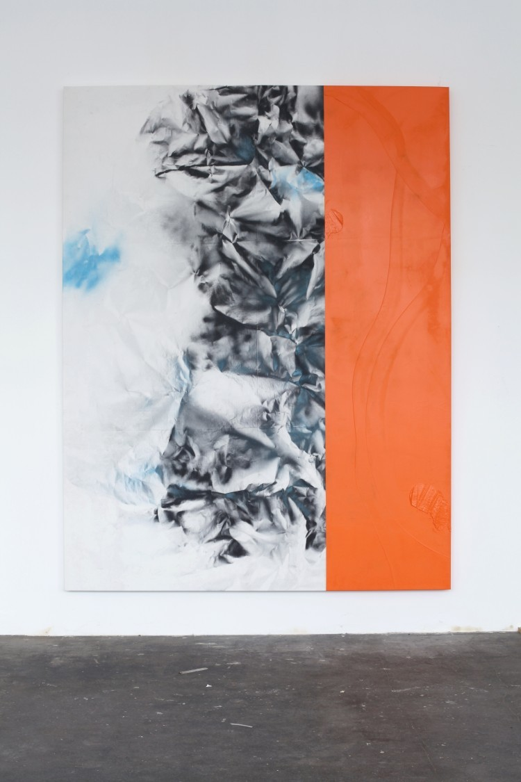 "Art Alarm – Frank Ahlgrimm: ""Kick Orange II"", 2016, oil and spray paint on canvas, 260 × 200 cm, Foto: Frank Ahlgrimm, Courtesy: Galerie Reinhard Hauff."